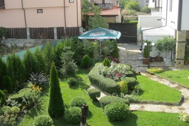 Хотел Банско СПА и Холидейз, Градина