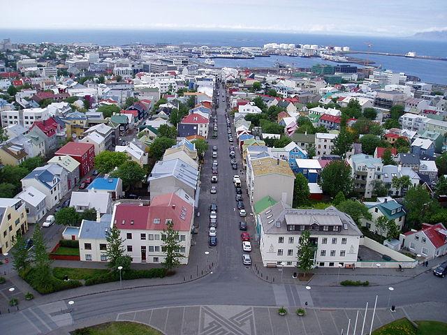 Изглед от Катедралата в Рейкявик - wikipedia.org